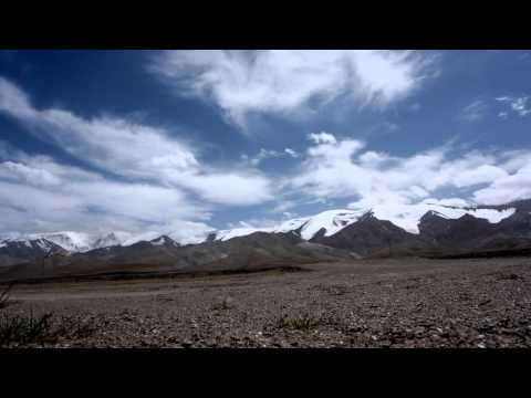 The qinghai-tibet plateau kunlun mountain glaciers, snow and cloud