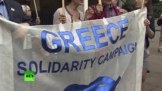 В Европе прошли демонстрации в поддержку народа Греции(15 июля жители Афин вышли на улицы, чтобы выразить несогласие с программой помощи ЕС по спасению греческой..., 2015-07-16T12:37:22.000Z)
