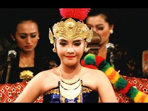 Tari PUTRI WULANGUN SIWI - Javanese Classical Dance - Tari Klasik Jawa Yogyakarta [HD]