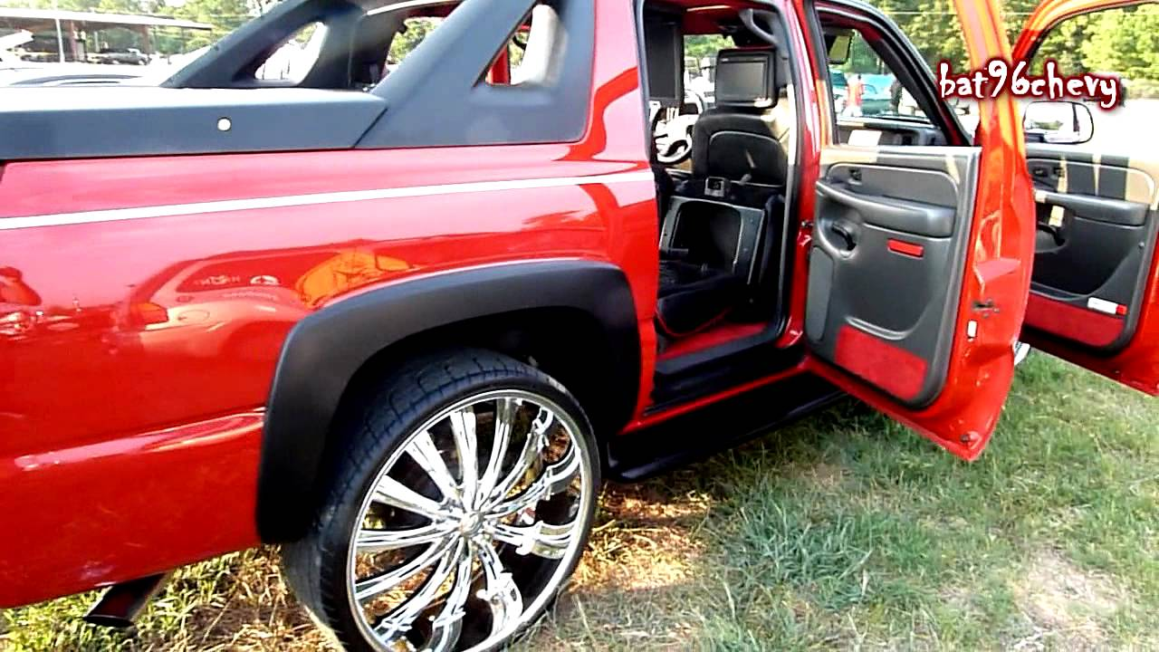 """Chevy Avalanche 2016 >> 05 Red Chevy Avalanche on 28"""" Bentchi Rims - HD - YouTube"""