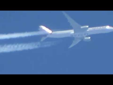 Planespotting: CONTRAIL - Qatar Airways at high altitude!