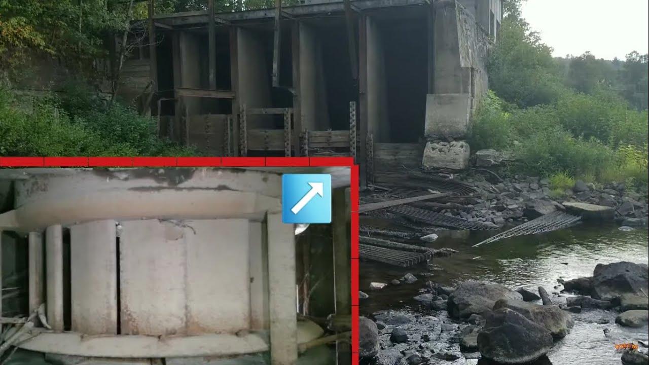 Walking Inside Abandoned HydroElectric Dam