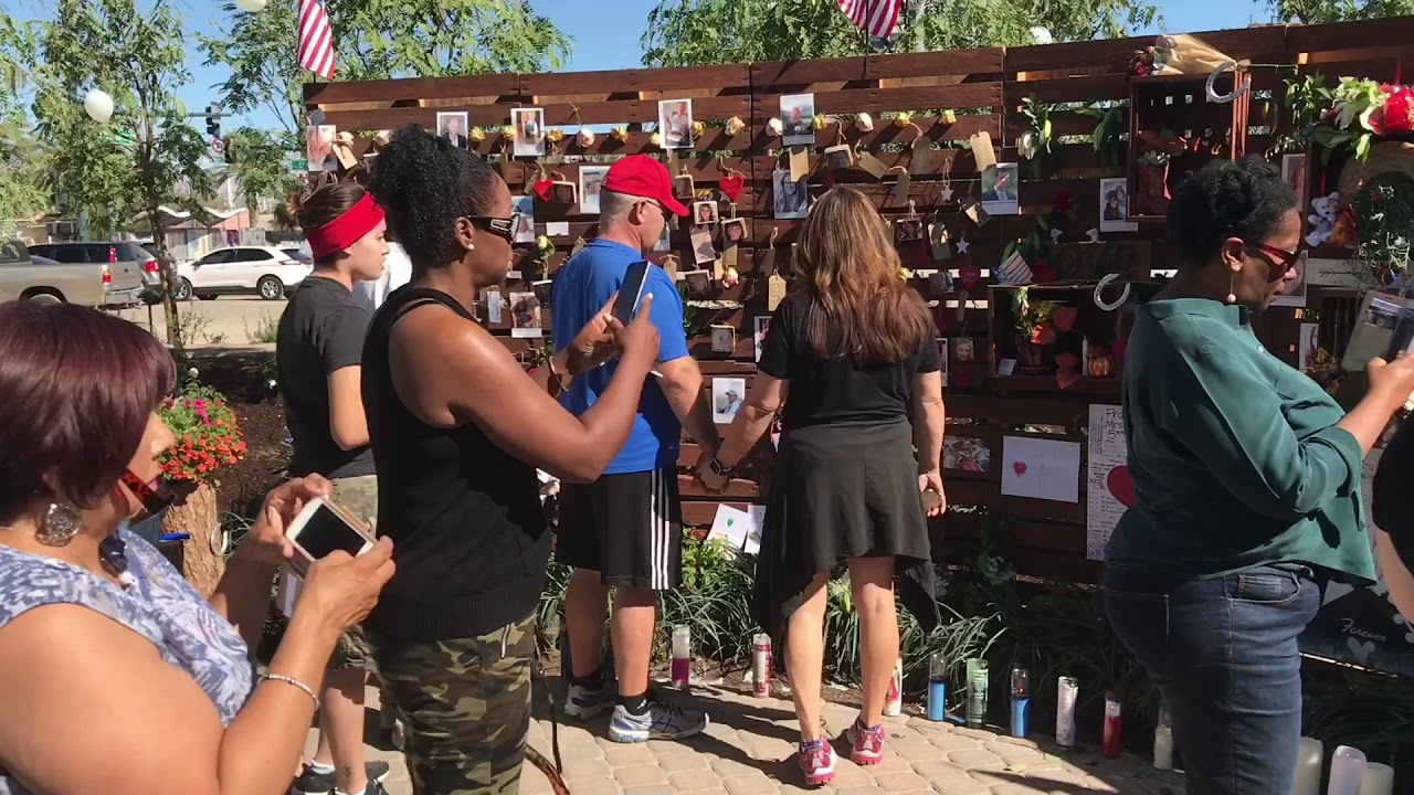 Community Healing Garden Springs Up After Las Vegas Shooting Youtube