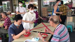 Pap's Tin Pei Ling Interacting With Residents At Macpherson Market And Food Centre