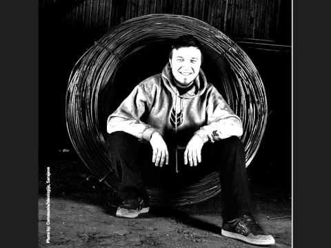 Edo Maajka ft. Vanja - Slusajte me sad