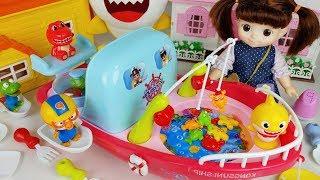 Baby Doll fishing and fish play toys story - ToyMong TV 토이몽