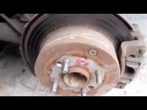 Замена задних тормозных колодок Hyundai Accent 2008