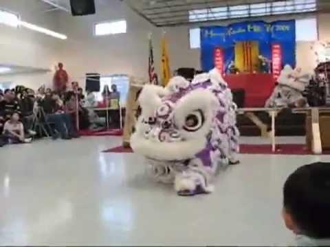 múa lân nhảy dj