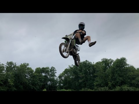 PITBIKE JUMPS AND HILL CLIMBS!!