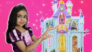 Şimal pretend play with Rapunzel in Disney Princess Royal Dream Castle