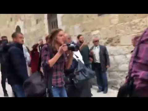 Israeli occupation forces assaulted Palestinian women, journalists and medics in Jerusalem