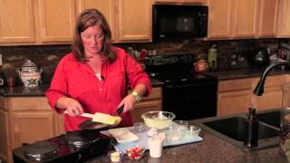 How To Make Crepes With Bananas & Strawberries : Berry Desserts