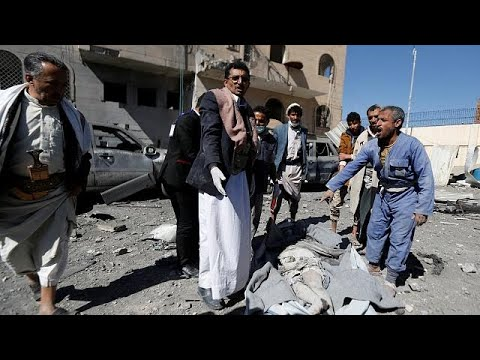عشرات القتلى والجرحى في غارة جوية للتحالف على سجن بصنعاء  - نشر قبل 2 ساعة