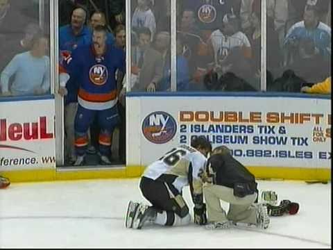 New York Islanders Vs Pittsburgh Penguins Fight Night [Period 3]