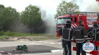 Enorme rookontwikkeling bij zeer grote brand Brielle