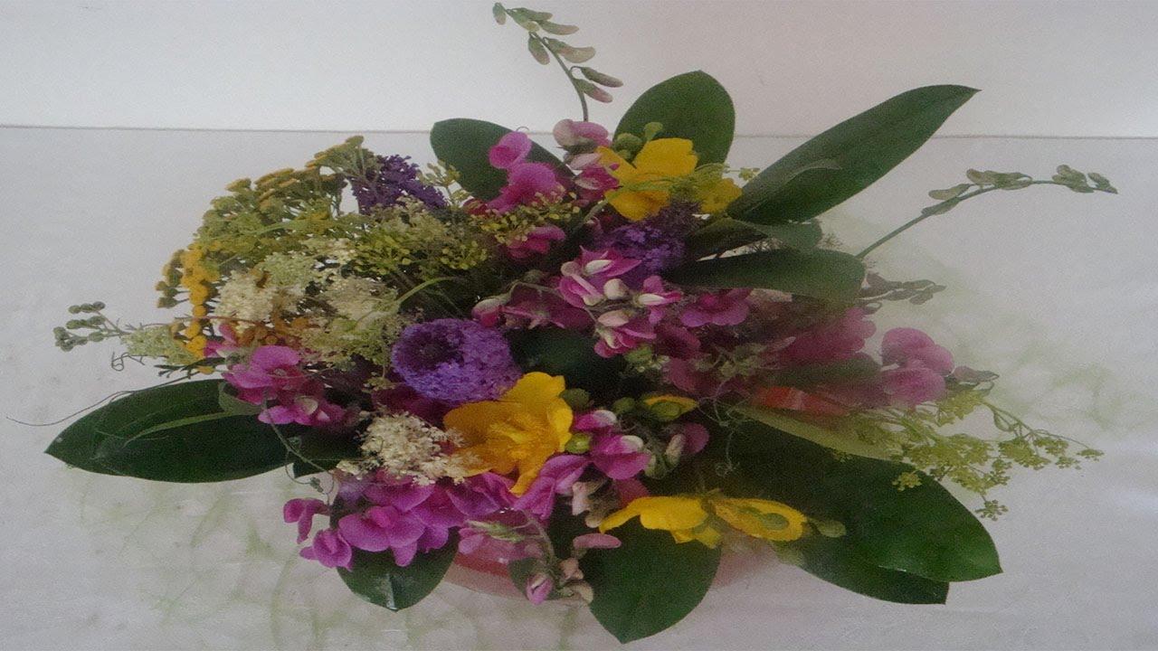 blumenarrangement mit wiesenblumen selbstgemacht deko ideen mit flora shop youtube. Black Bedroom Furniture Sets. Home Design Ideas