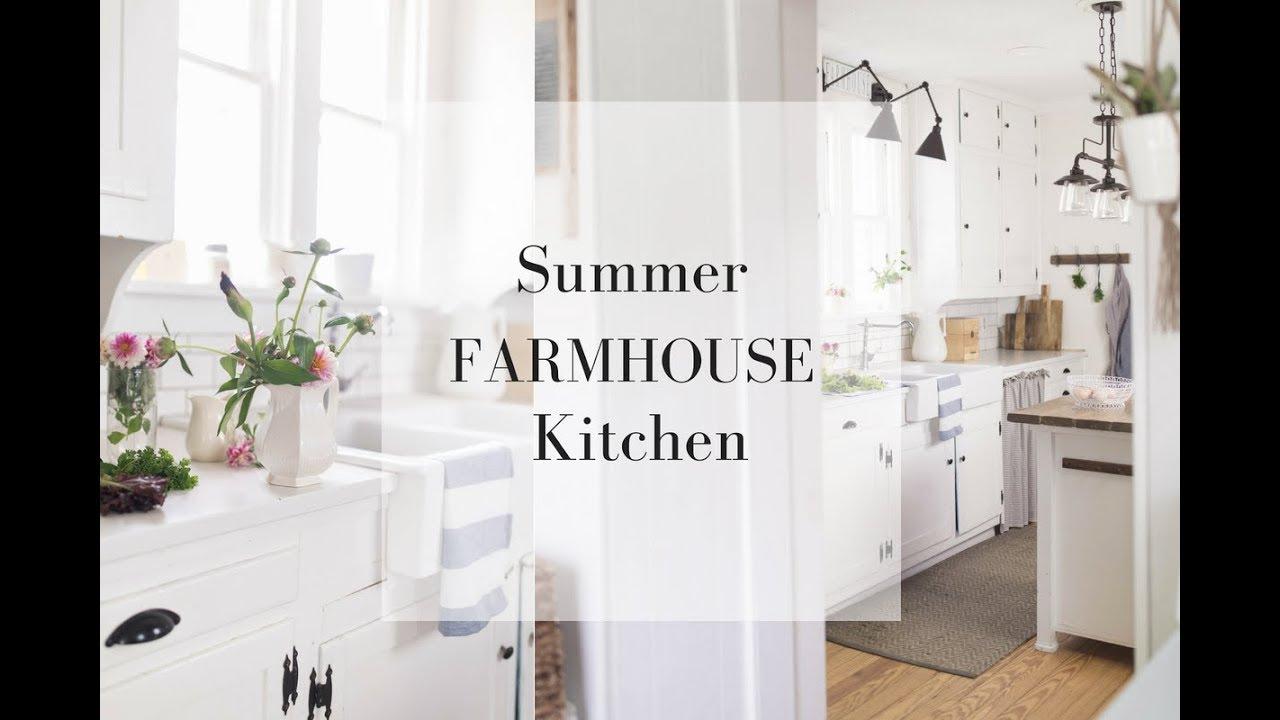 SUMMER FARMHOUSE KITCHEN   Simple Farmhouse Decorating Ideas