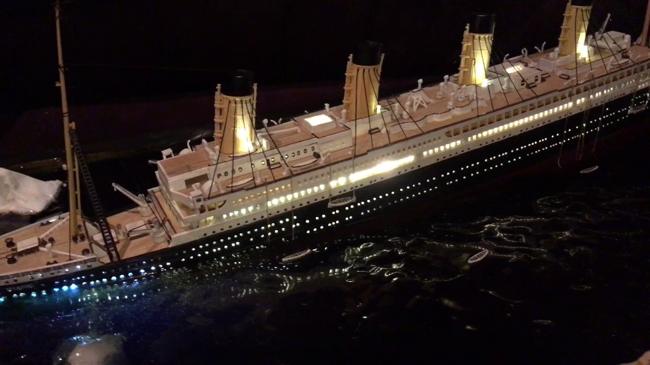 RMS Titanic diorama - the sinking scene - YouTube