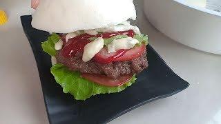 Bánh bao hamburger - bánh bao tròn kẹp thịt bò sốt béo mềm, thơm ngon