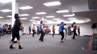 Zumba with Tina : Pitbull I Know You Want Me(Calle Ocho)