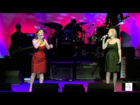 Abby Dobson and Lara Goodridge 'Il N'YA PASD' AMOUR HEUREUX' ACMF DUETS 2012