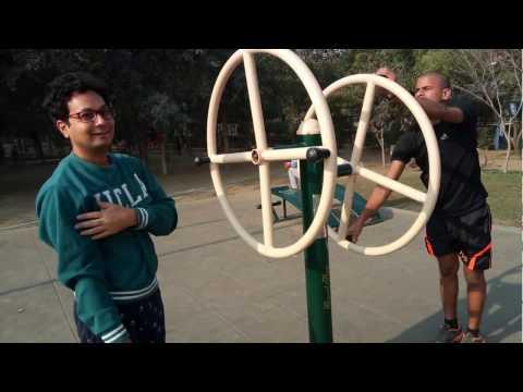 Large Open Gym Delhi Mayur Vihar   Exercising In Open Gym