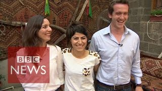 Turkey: Getting to grips with Kurdish dancing - BBC News