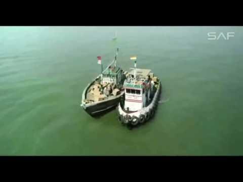 mere-rashke-qamar-official-full-video-raees--arijit-singh--sarukh-khan,-mahira-khan-hd