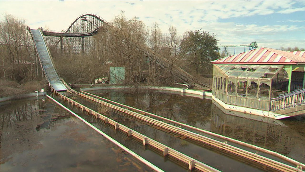 A Look At Six Flags New Orleans After Hurricane Katrina Forced It To Close - YouTube