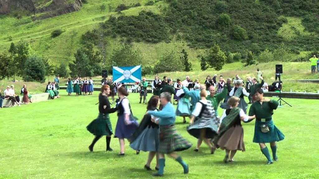 Scottish folk dance: Schiehallion - YouTube