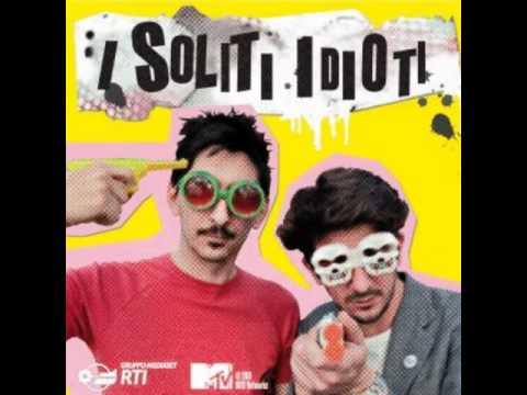 I Soliti Idioti-Omosessuale(Canzone).wmv