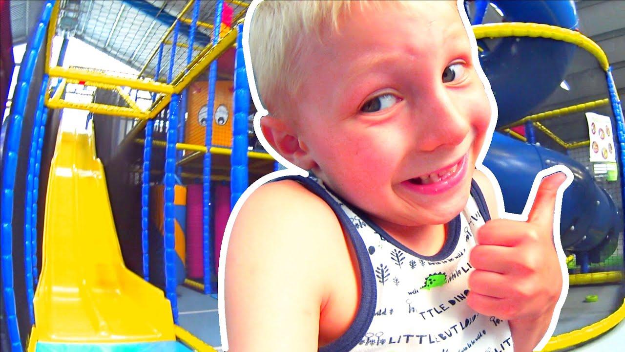 Leo и его первый опыт видео съёмки / детский центр развлечений или всё что нужно ребенку для счастья
