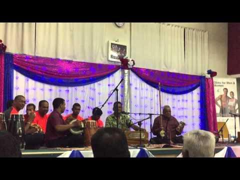 Amit Kishor - Maa Ki Mamta live Auckland 2016 Bhajan