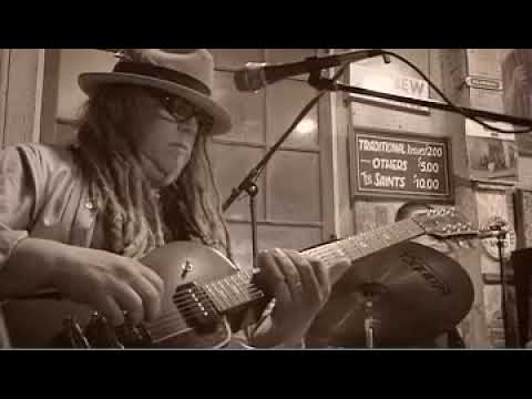 """Papa Mali: """"Early In The Morning"""" live at Fog Fest"""