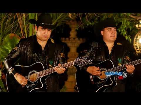 Miguel y Miguel - Falda Larga (En Vivo 2017)