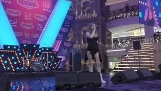 Оксана Почепа - Кислотный диджей и другие песни Партийная зона Муз тв 16 12 2018