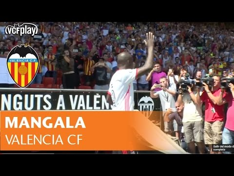Mangala reviews his professional career and goals with Valencia CF