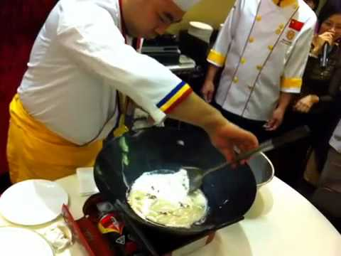 Famous chef from China fry egg white