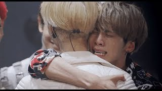 Jonghyun, the special hug with members in SHINee