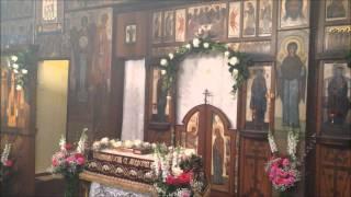 Православная Пасха в Париже -- освящение куличей(Крошечное «телефонное» видео о том, как православные Парижа освящают куличи в храме Трех Святителей на..., 2014-04-19T20:15:59.000Z)