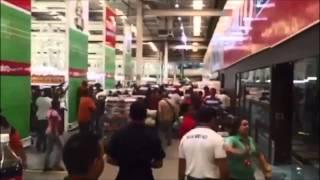 Video: Venezuela: Batalla en un supermercado por comprar arroz