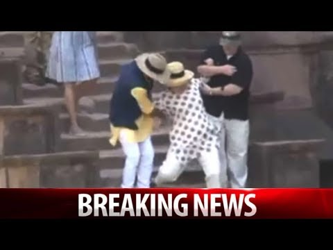 WATCH HILLARY CLINTON SLIPS DOWN STAIRS 2X IN INDIA!