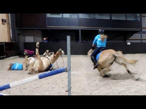 Ik val met mijn paard + naar het ziekenhuis | Vlog #88