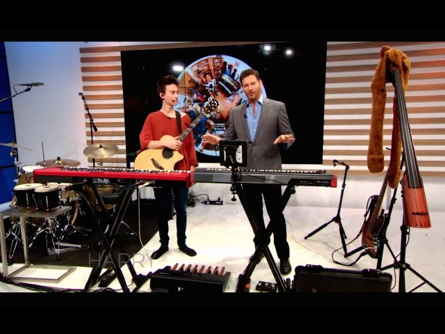 Jacob Collier performing on HARRY