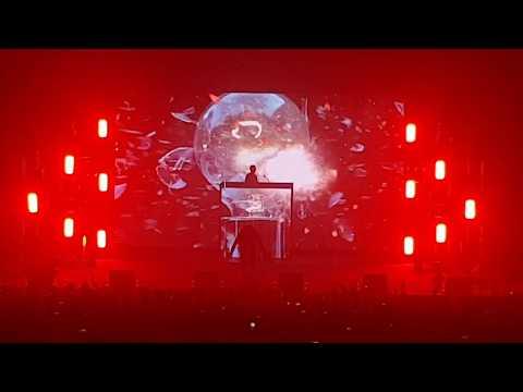 APPLAUSI PER FIBRA - FABRI FIBRA LIVE 28/10/2017 (GRAN TEATRO GEOX)