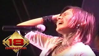 Download lagu Tere - Awal Yang Indah  (Live Konser Tegal 04 November 2005)