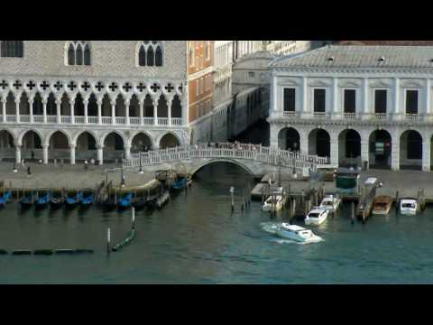 travel from Venice to Udine Italy