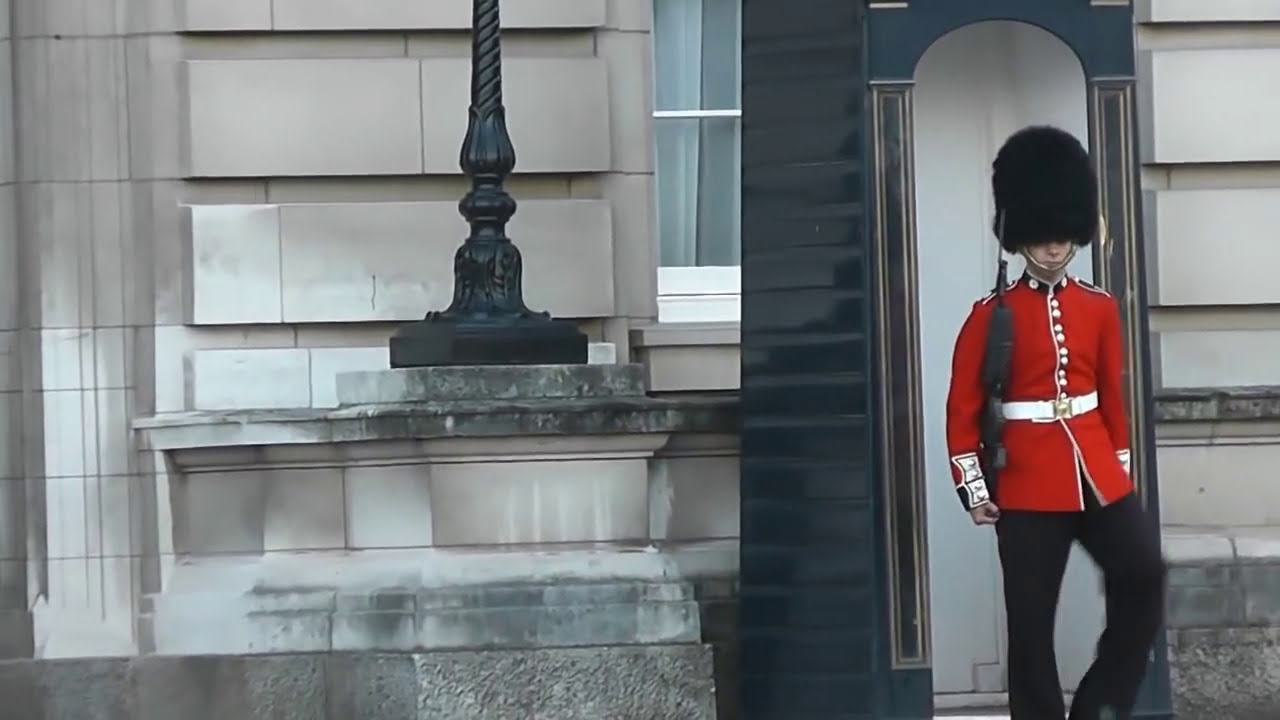 Buckingham Palace Royal Guard in a rage.avi - YouTube