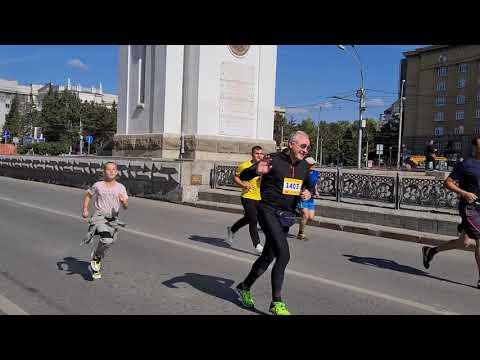 Полумарафон в Новосибирске: и стар и млад