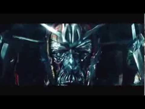 Transformers 3  La Face cachée de la Lune  Début du film lorsque Sentinel Prime se réveille